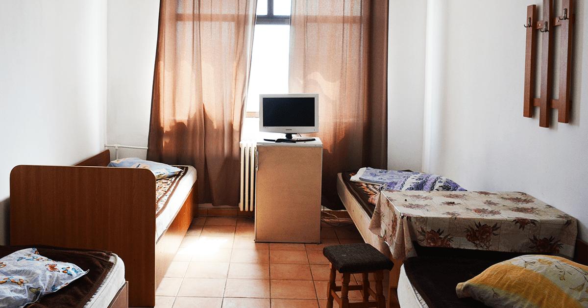camera cu 4 paturi iasi featured