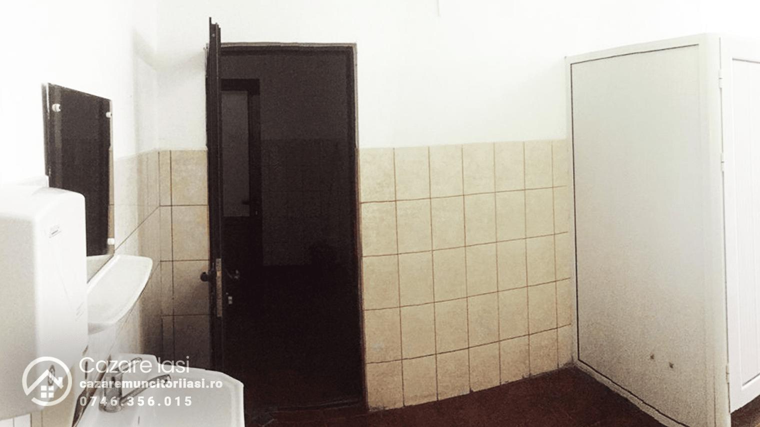 baie locatie hostel Iasi 2x