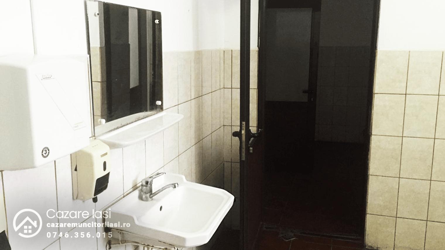 baie locatie hostel Iasi 4x